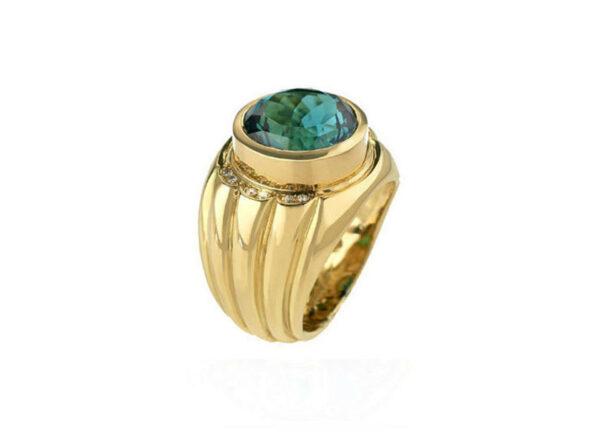 Blue-tourmaline-and-diamond-ring-MIS25714_0d27ca3b-aa30-4ec1-92c4-d4c3c570a082