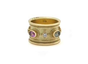 Blue_-pink_-yellow-and-green-sapphire-templar-band-v4-TBS16893
