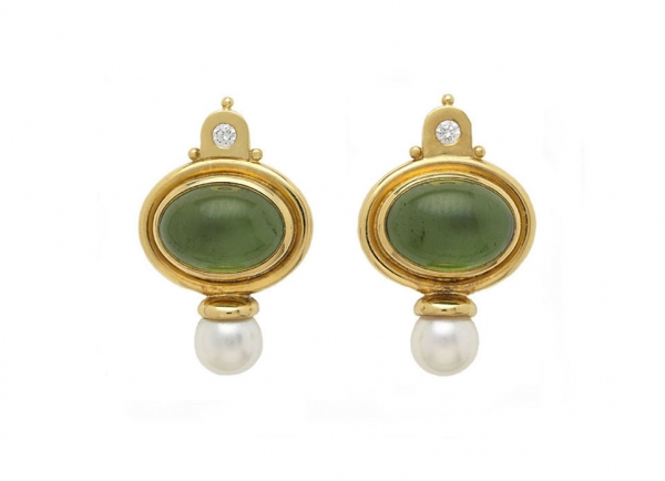 Cabachon-green-tourmaline-valois-earring-set-with-akoya-pearls-and-diamonds-EVA22176