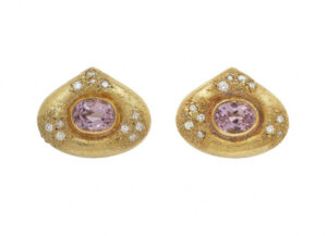 Elizabeth_Gage_Amethyst_Isfahan_Earrings_ISF23443-600×434