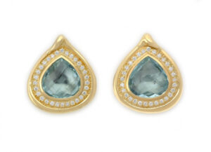 Elizabeth_Gage_Aquamarine_Earrings_EMS24922-600×434