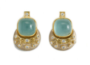 Elizabeth_Gage_Aquamarine_Eleanor_Earrings_ELA24612-600×434