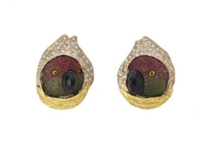 Elizabeth_Gage_Diamond_Tourmaline_Parrot_Heads_Earrings_EMS25546-600×434