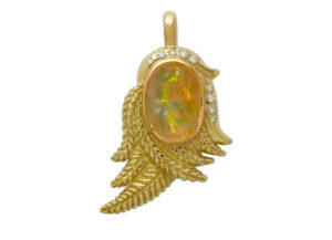 Elizabeth_Gage_Dream_Catcher_Opal_Pendant_PEN25542