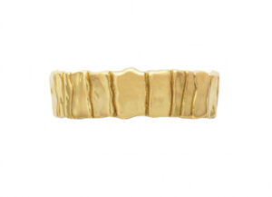 Elizabeth_Gage_Gold_Bark_Bracelet_BAG22586HR-600×434