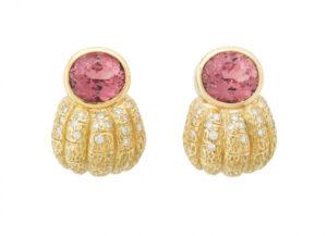 Elizabeth_Gage_Pink_Tourmaline_Earrings_EMS25862-600×434
