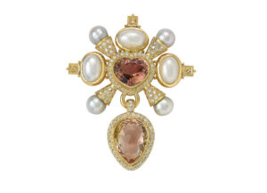 Gold kiss pin with pink tourmalines, diamonds,mabé pearls; gold brooch; fine jewellery London