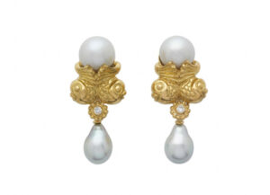 Elizabeth_Gage_Twin_Fish_Earrings_EGP25672-600×434