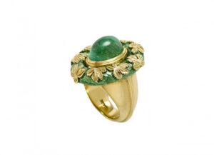 Emerald-and-vine-leaf-ring-MIS16288-600×434
