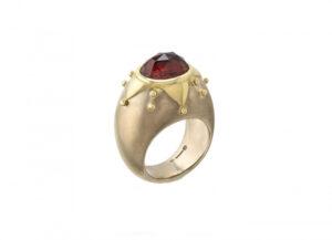 Garnet-chivalry-ring-MIS25216-600×434