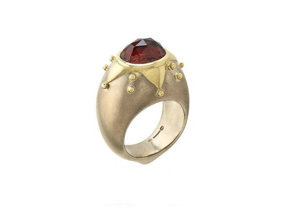 Garnet-chivalry-ring-MIS25216