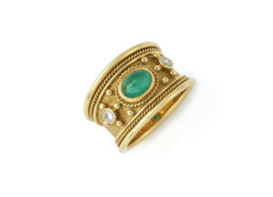 Oval-cabachon-emerald-tapered-templar-ring-with-diamonds-TTS22006
