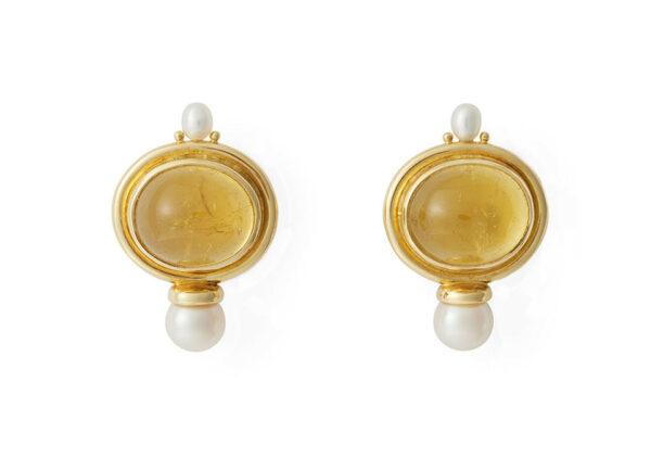 Oval-cabochon-yellow-tourmaline-valois-earrings-with-biwa-plume-and-akoya-pearls-EVA22425