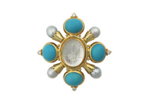 Gold kiss pin with rock crystal intaglio, turquoise, diamond, pearls; gold brooch; fine jewellery London
