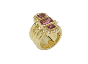 Pink-spinel-and-diamond-ring-MIS21230_44c81756-7bb3-4c80-98ca-f5e44d3cb87f
