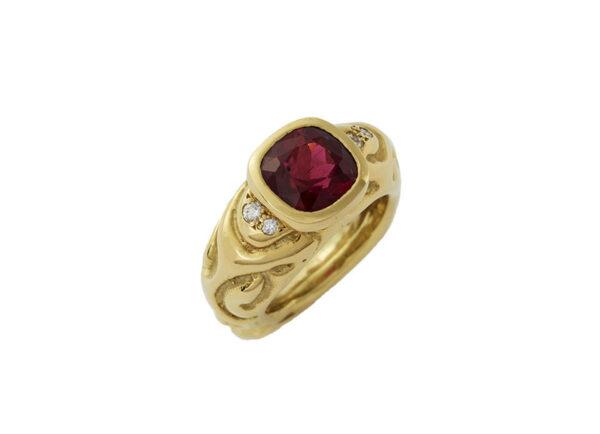 Red-Tourmaline-molten-gold-ring-MLG23281