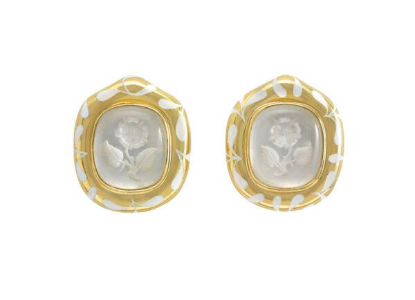 Rock-crystal-intaglio-Rose-earrings-with-white-seaweed-enamel-EME20608