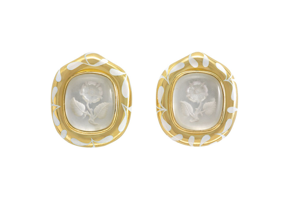Rock Crystal Intaglio Rose Earrings With White Seaweed