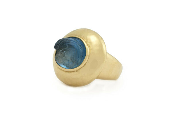 Seawave-aquamarine-cameo-ring-laying-down-MIS26208