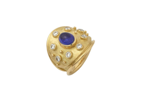 Tanzanite-cabachon-ring-set-with-diamonds-MIS25965
