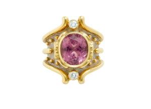Violet-Sapphire-Heliotrope-ring-HEL23141_f73874ac-dc1d-4b4e-bdbf-f425a55a24b8