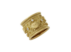 Zodiac-ring-with-cancer-symbols-and-diamonds-ZBS26430