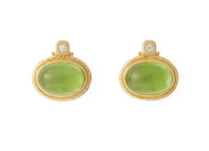 oval-cabochon-peridot-persian-queen-earrings-PRQ24946_3a7e04eb-9024-47b4-a979-fcb85a27dbe8