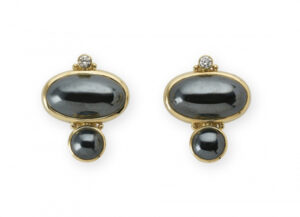 Hematite Valois Earrings