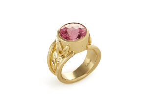 Gold ring with pink tourmaline; fine jewellery London