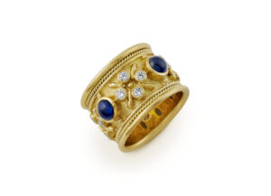 Gold ring with sapphires and diamonds; fine jewellery London