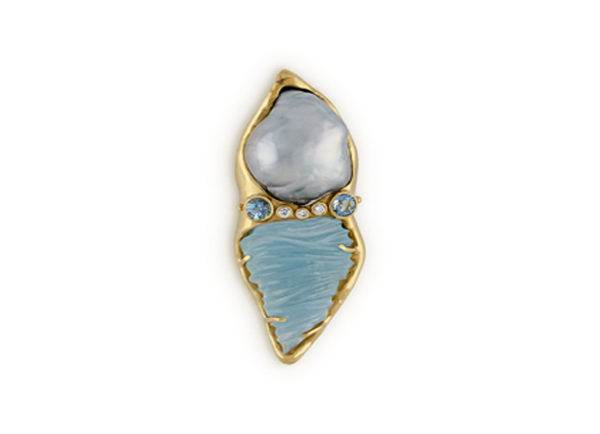 Gold pin with aquamarines, pearl and diamonds; gold brooch; fine jewellery London