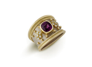 Rhodolite Garnet Tapered Templar Gold Ring with diamonds; fine jewellery London