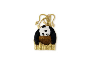Gold pin with panda bear cameo cocholong and onyx; gold brooch; fine jewellery London