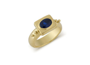 Sapphire Valois Ring