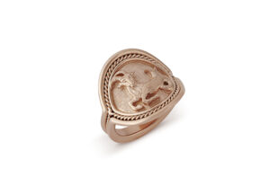 Red gold signet ring decorated with capricorn motif; zodiac ring; fine jewellery London
