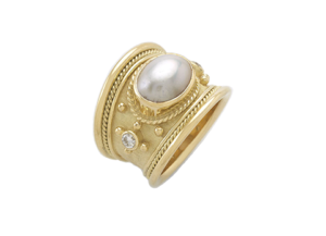 Mabé Pearl Tapered Templar gold Ring; fine jewellery London