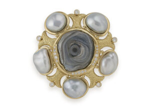 Chalcedony Rose and Grey Pearl Pin; gold brooch, fine jewellery London