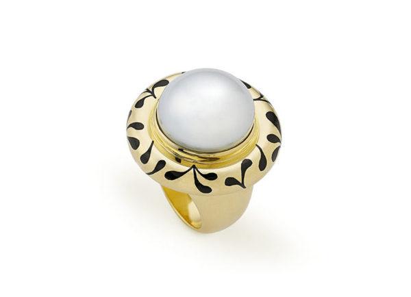 Pearl and Black enamel orlov ring