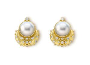 Pearl eleanor earrings with diamonds
