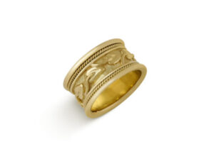 Myrtle Leaf Gold Band Ring