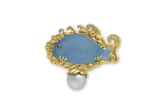 Aquamarine fish cameo gold pin with sapphire, diamonds and South Sea pearl; fine jewellery London; gold brooch