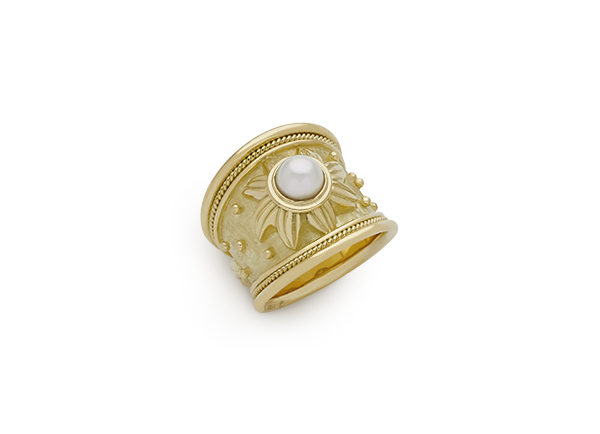 Mabé Pearl Tapered Templar Ring
