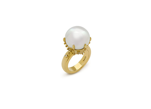 Gold ring with South Sea pearl and diamonds; fine jewellery; Elizabeth Gage