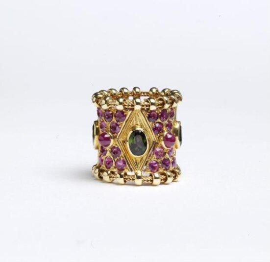 Elizabeth Gage's Agincourt Ring at the Victoria & Albert Museum, London